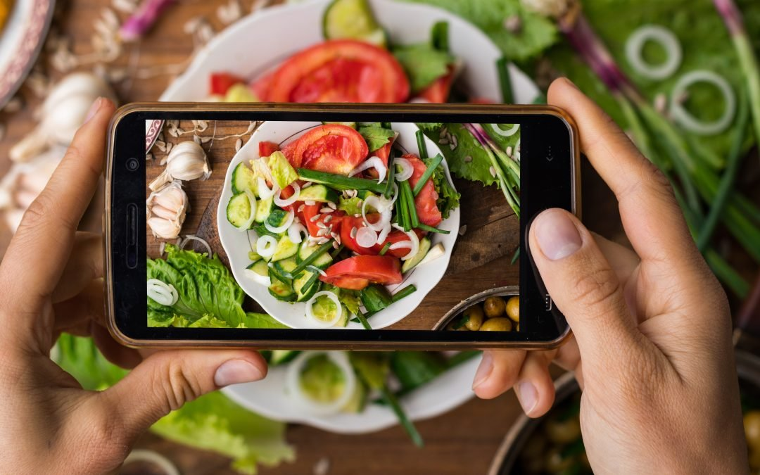 3 Awesome Ways Instagram Can Help You Stick To Your Diet
